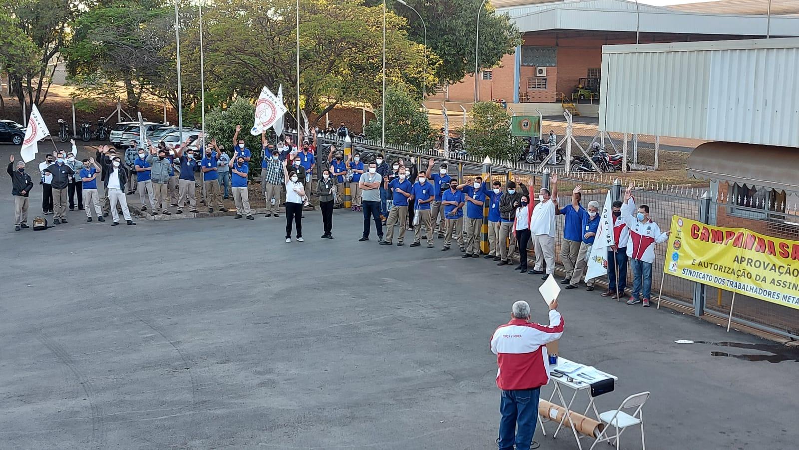 Metalúrgicos intensificam Campanha Salarial em Mococa e Região, debatem e lutam pelo Brasil!